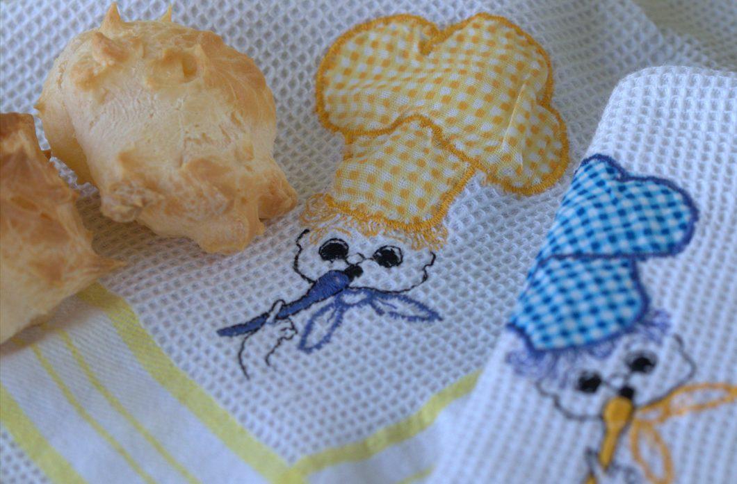 pãezinhos arrepiados de queijo