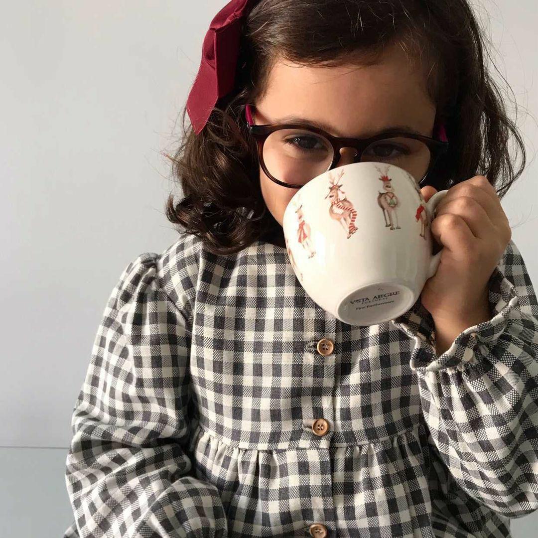 roupa e calçado para criança